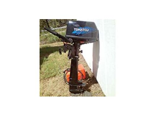 2009 TOHATSU 6hp 4 stroke less than 100 hours like new comes with tank hose