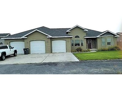 2100 SQ FT HOME 3 bedroom 2 bath 4 car garage shop Country club Estate 309000 509-989-9589