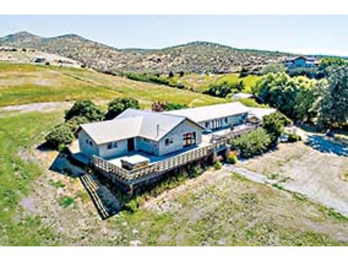 ENDLESS VISION Single level 2800 SqFt rambler on 1239 acres in Wenatchee with a 2 story barn wo