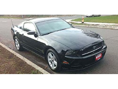 2013 FORD Mustang excellent condition 25k miles 300 hp 37L V-6 4yr transf