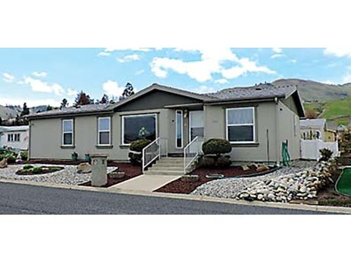 MINT CONDITION Beautiful 3 bedroom manufactured home in Wenatchee Private patio many amenities and