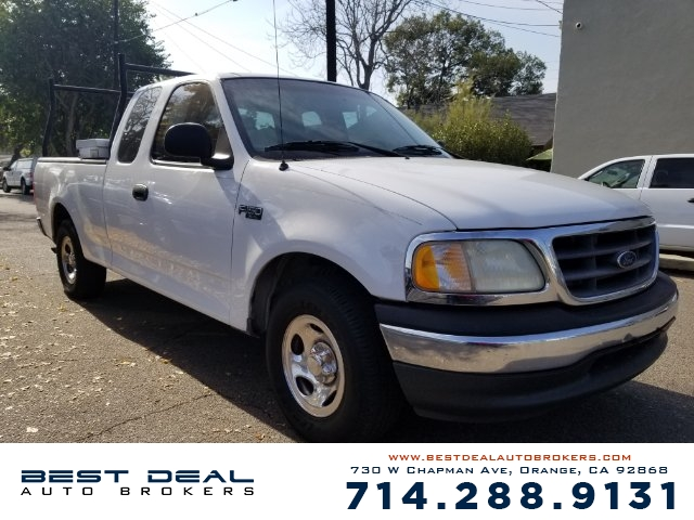 2001 Ford F-150 XL Front airbags - dual Cassette Radio - AMFM ABS - 4-wheel Power brakes Pow