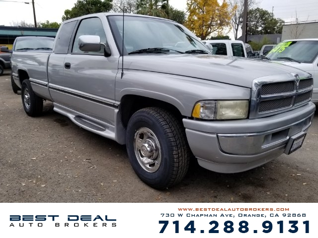 1997 Dodge Ram 2500 SLT Front airbags - driver side Cassette Radio - AMFM ABS - rear Power br
