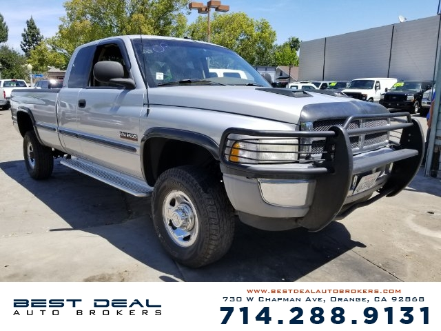 1999 Dodge Ram 2500 SLT Laramie Front airbags - dual Cassette Radio - AMFM ABS - rear Power br