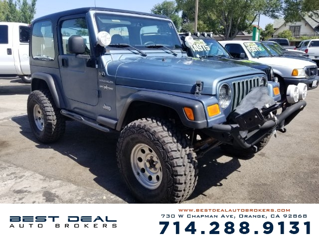 1997 Jeep Wrangler SE 4x4 4cyl Front airbags - dual Power brakes Bumper detail - rear step G