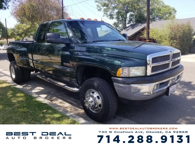 2002 Dodge Ram 3500 SLT Laramie Front air conditioning Front airbags - dual Cassette In-Dash CD