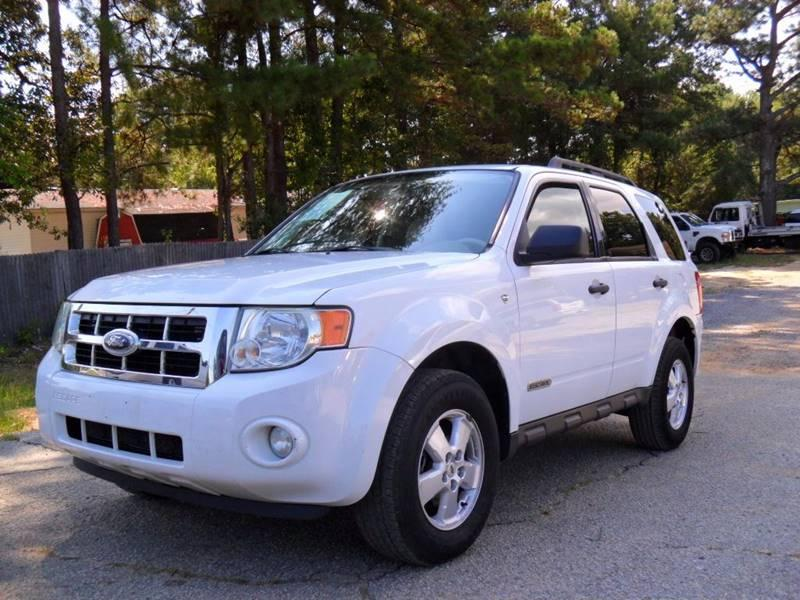 2008 FORD ESCAPE XLT 4DR SUV V6 we finance Call us 8557067006 or text 8557067006 White 1592