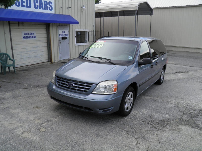 2005 FORD FREESTAR S Kelly Blue Book 3220 Our Price 3000 What a Van You can Carry the entire Te