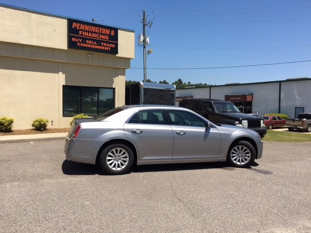 2013 Chrysler 300 Base Silver Or Aluminum 12-spoke Wheels12-Volt Power OutletS160 Alternator