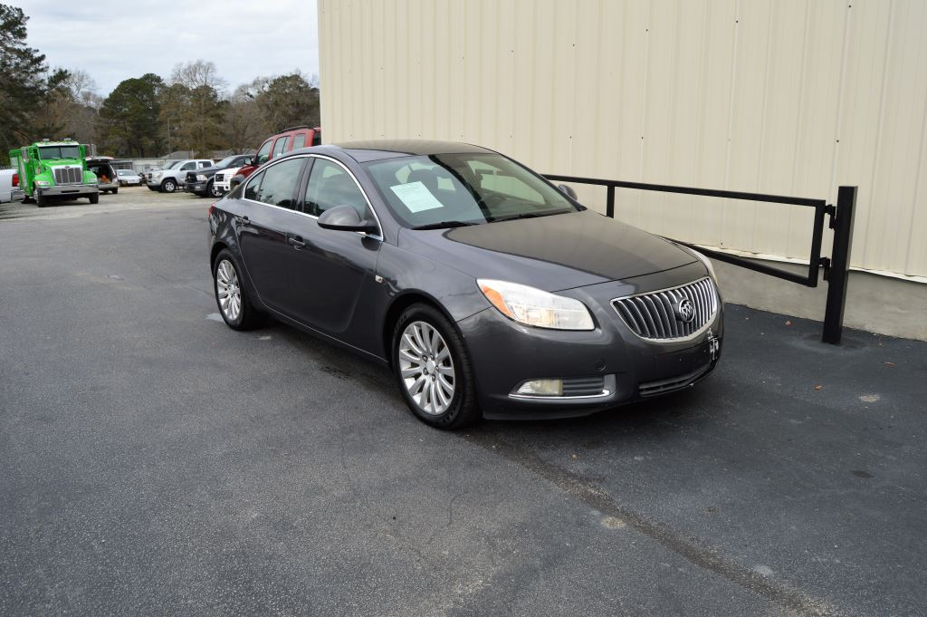 2011 Buick Regal CXL  2011 Buick Regal CXL 24 l-4 CLEAN CAR LOCAL TRADE Power WindowsLocksS