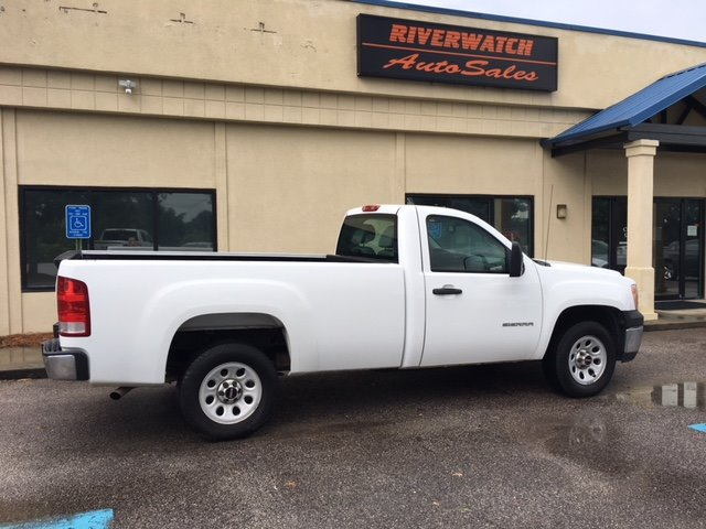 2012 GMC Sierra 1500 WT 12 GMC Sierra 1500- fully serviced- great first truck or work truck- Come