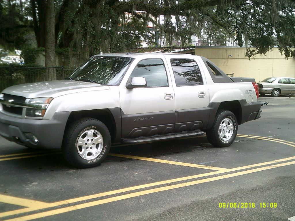 2004 Chevrolet Avalanche  Clean Truck Leather 4x4 All Power Gold Abs 4wheelAir Conditioning