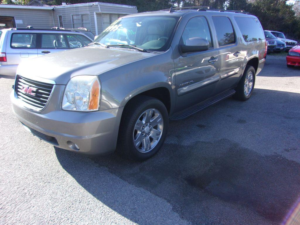 2007 GMC Yukon XL  Grey Stock 17236 VIN 1GKFC160X7J266911