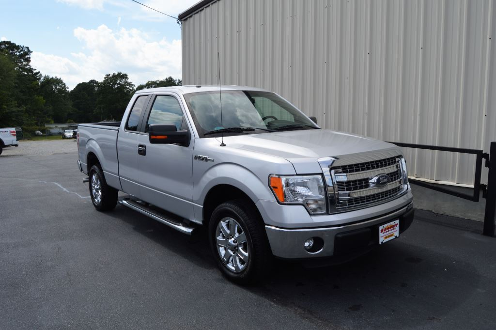 2014 Ford F150  2014 Ford F150 XLT Super Cab 37L V6 Fuel Flex CLEAN TRUCK Power WindowsLocks
