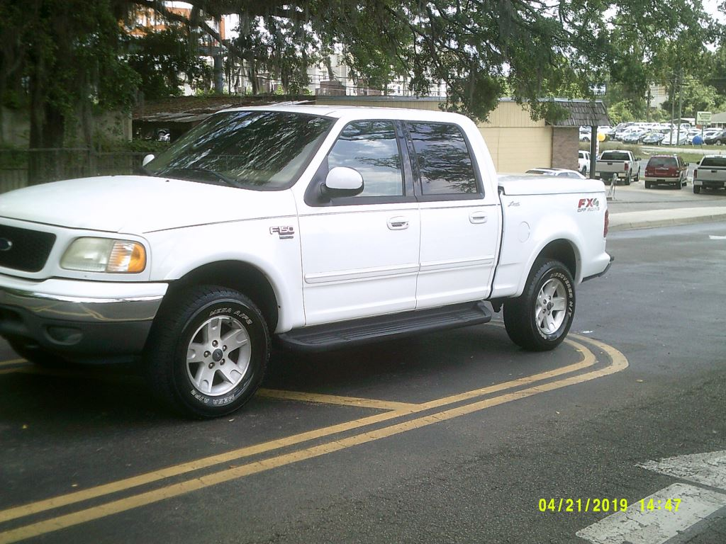 2003 Ford F150  Clean Crew Cab FX4  All Power leather Lariat Package White 4wd5 PassengerAb