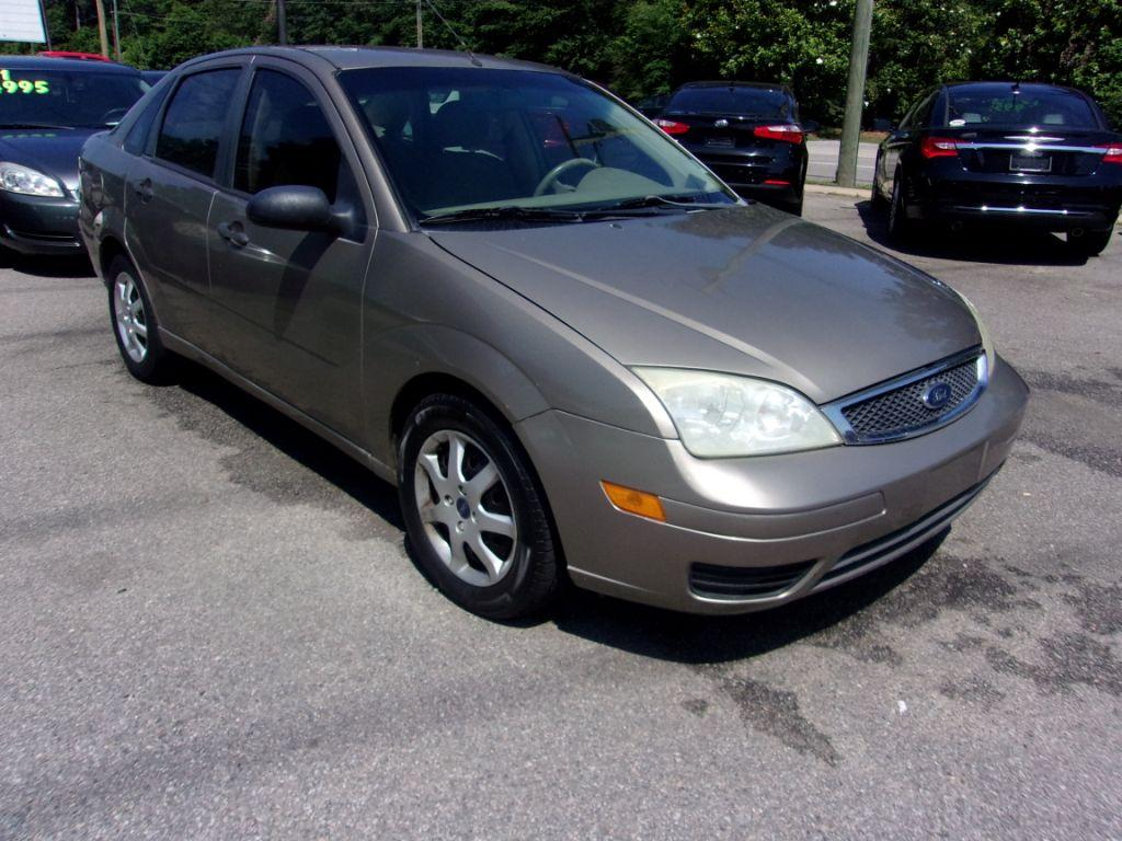 2005 Ford Focus  Gold Stock 18115 VIN 1FAFP34N75W211087