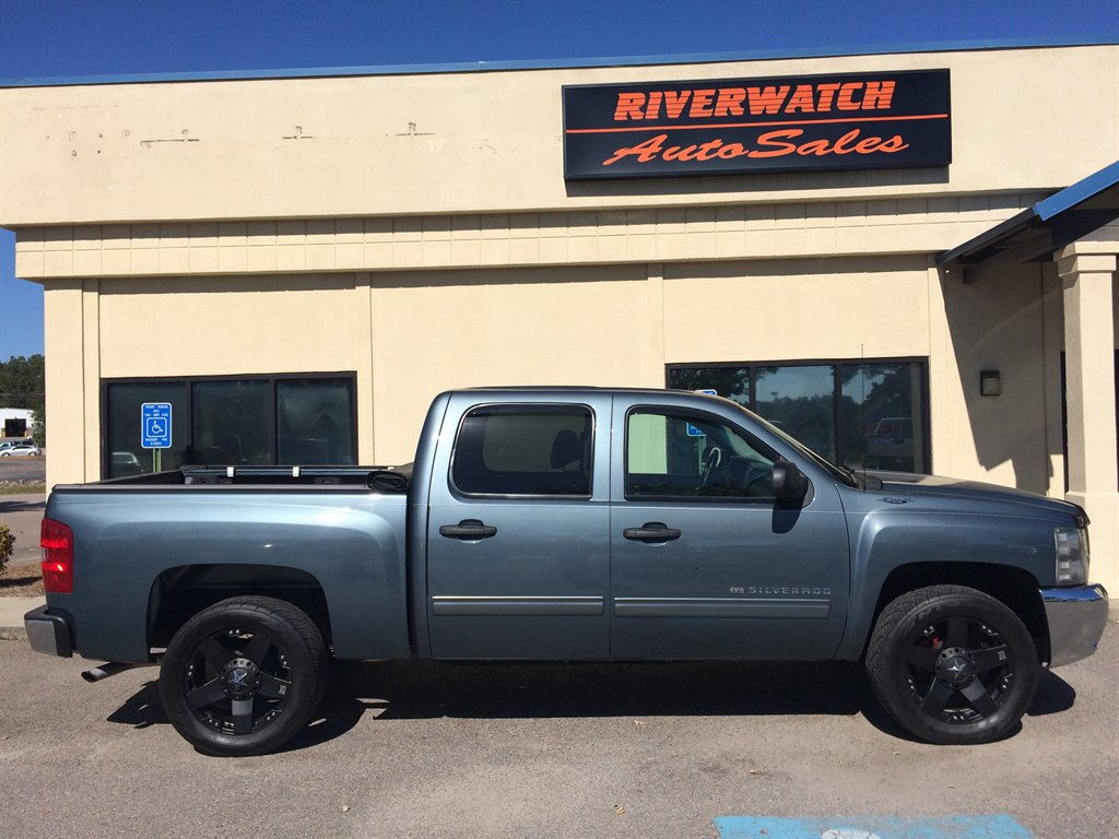 2013 Chevrolet Silverado 1500 LT 2013 Chevrolet Silverado 1500 LT XFE package Power windows locks