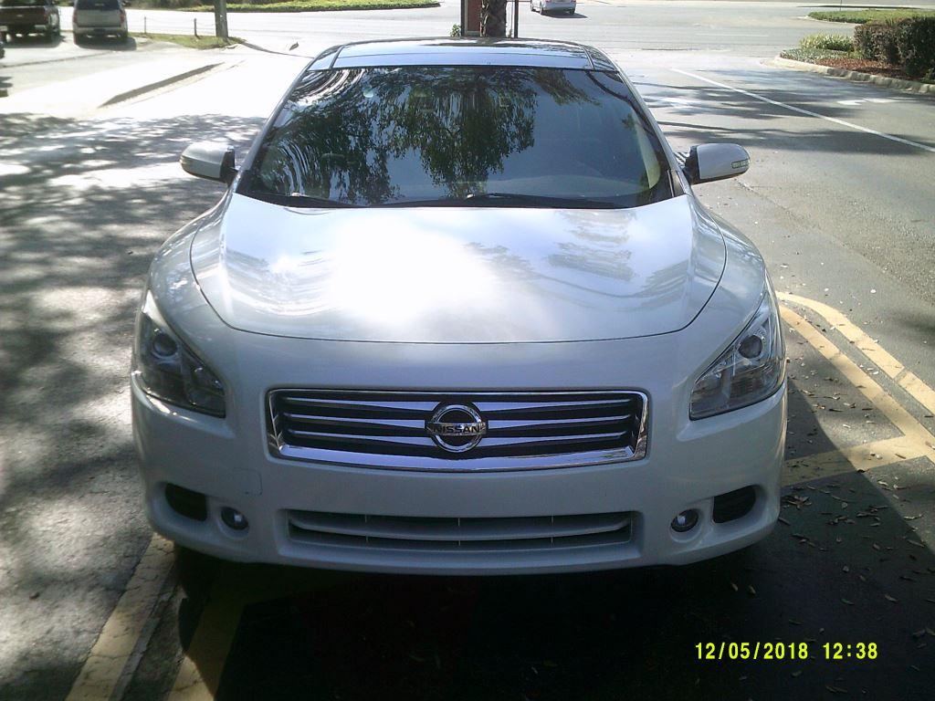 2013 Nissan Maxima  Clean Leather Pano Roof Nav And Back up Cam White 5 PassengerAbs 4wheelA