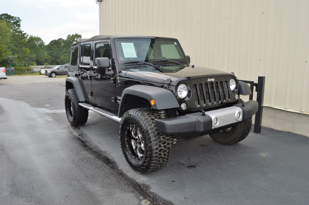 2014 Jeep Wrangler  2014 Jeep Wrangler Unlimited Sport 4WD  36L V6 CLEAN JEEP LOCAL TRADE Man
