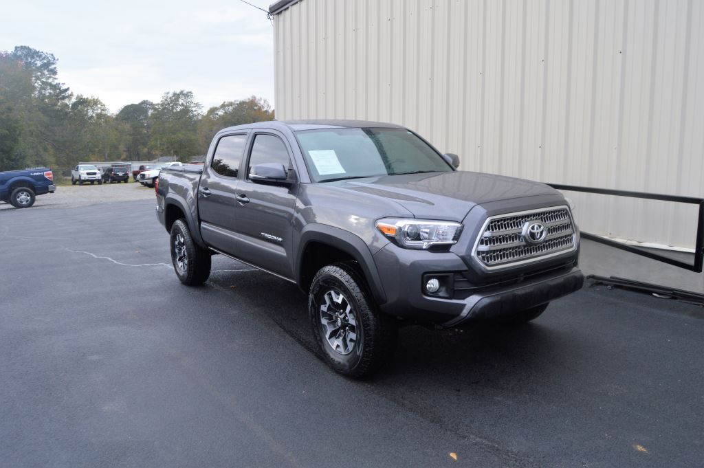 2016 Toyota Tacoma  2016 Toyota Tacoma TRD Offroad Double Cab 4WD 35L V6 EXTRA CLEAN LOW MILES