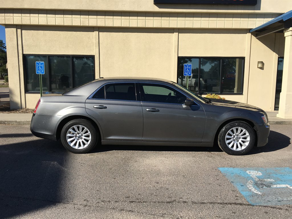 2012 Chrysler 300 Base Grey 12-Volt Power OutletS160 Alternator - Maximum Capacity Amps17 X