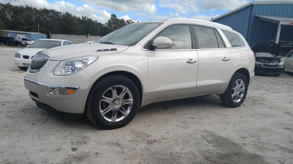 2010 Buick Enclave CXL White Automatic Air ConditioningIndividual settings Air ConditioningTri-
