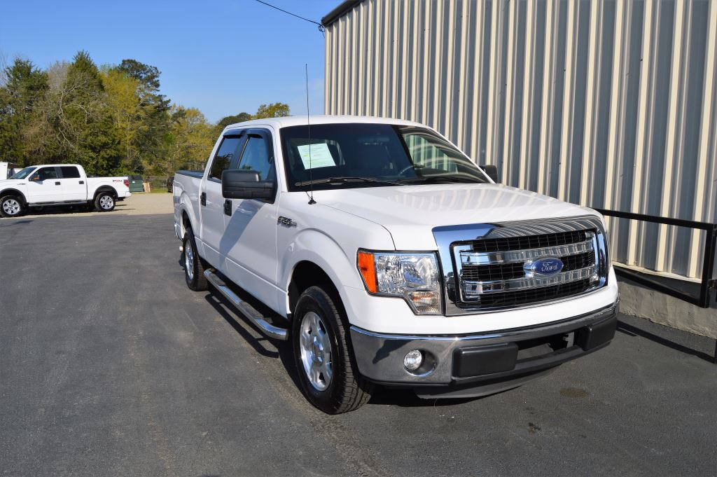 2013 Ford F150  2013 Ford F150 XLT Super Crew 50L V8 CLEAN TRUCK ONLY 22000 MILES Power Wind