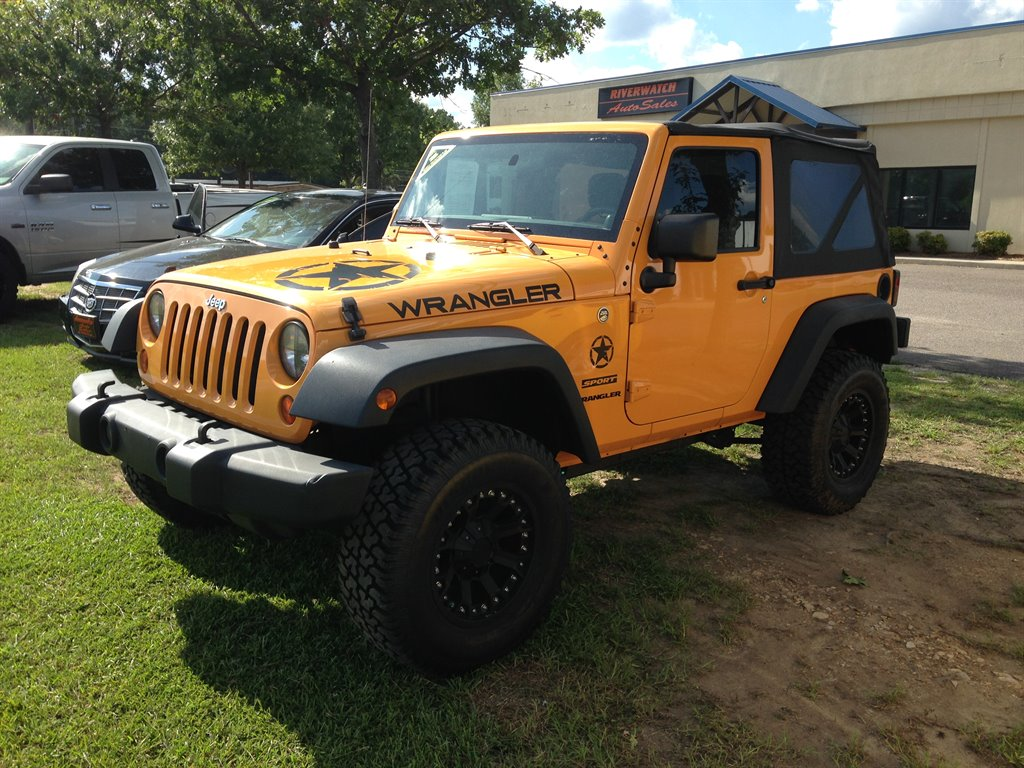 2012 Jeep Wrangler Sport 2012 JEEP WRANGLER AC 6 SPEED 2 IN LIFT WITH PRO COMP WHEELS AND NEW TI