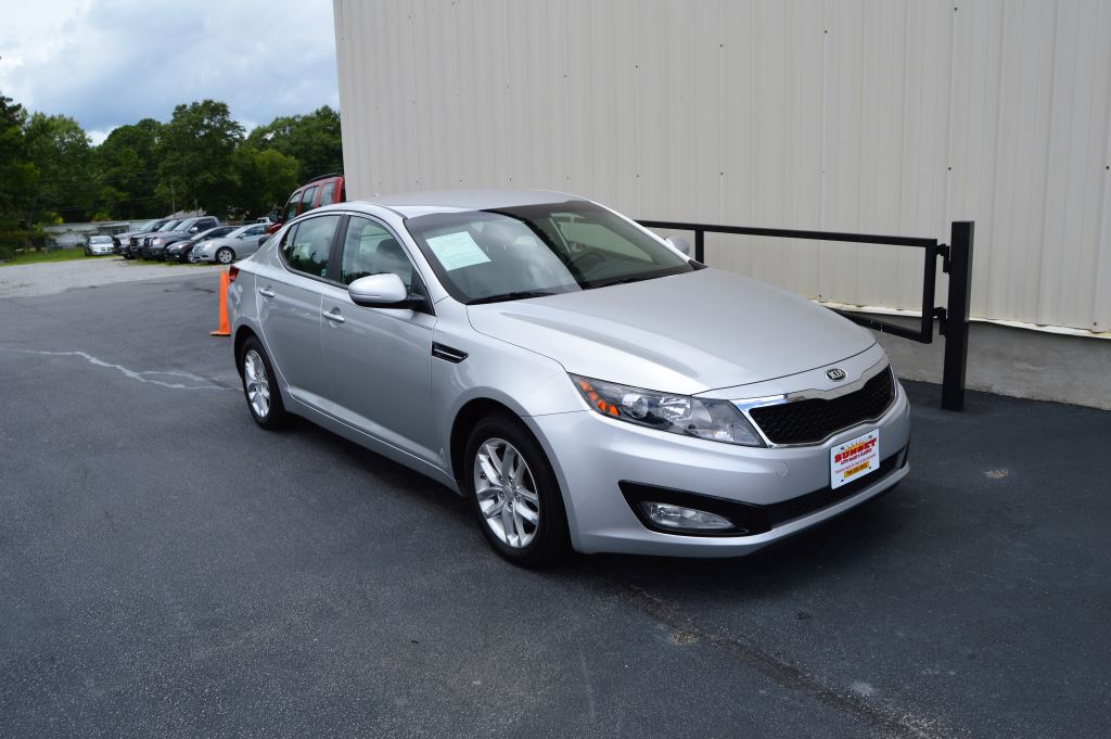 2013 KIA Optima LX  2013 Kia Optima LX 20L I-4 CLEAN CAR LOW MILES Power WindowsLocks Steer