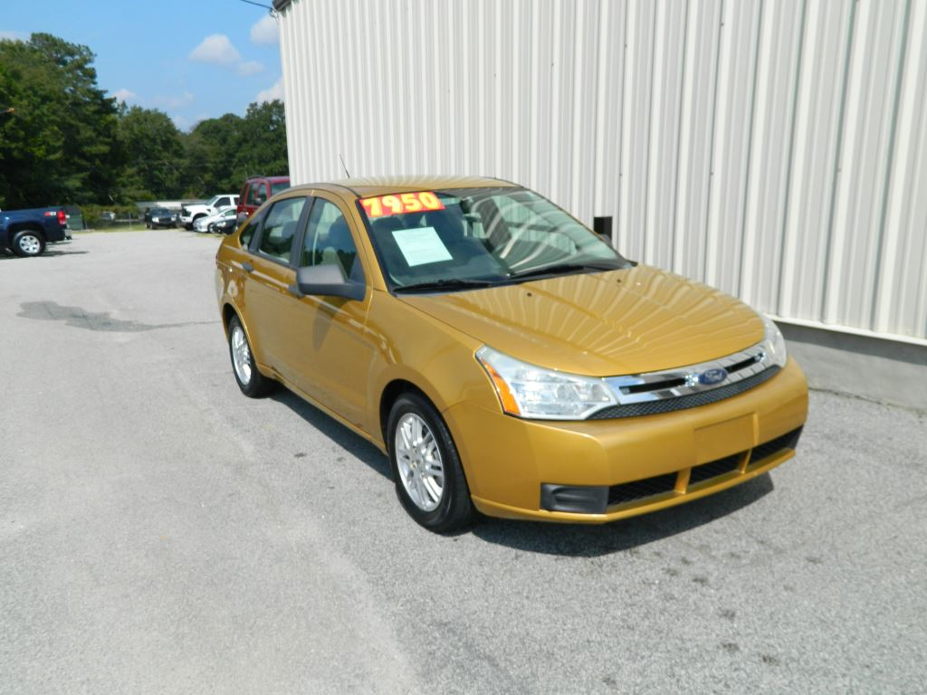 2009 Ford Focus  4 Cylinder Automatic SE AC Power WindowsLocks Hands Free Phone AUX Sirius