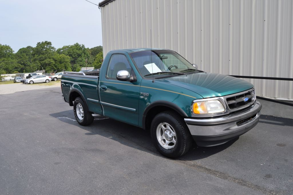 1997 Ford F150  1997 Ford F150 XLT Regular Cab 46L V8 CLEAN TRUCK LOW MILES Power WindowsLoc