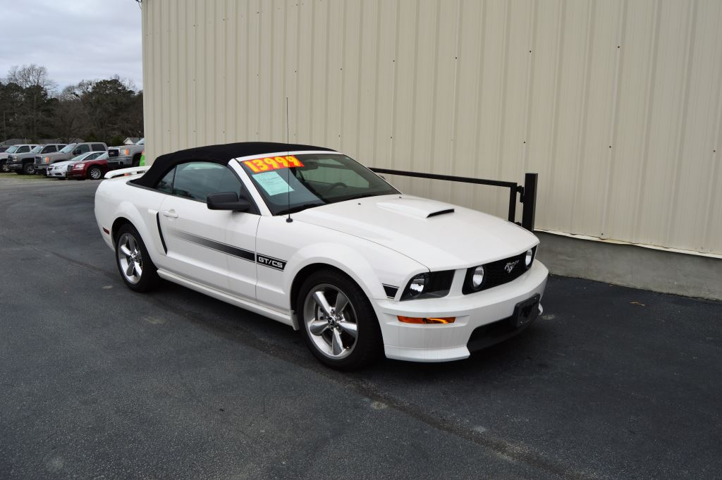 2008 Ford Mustang  2008 Ford Mustang GT Convertible Coupe California Edition 46L V8 CLEAN CAR