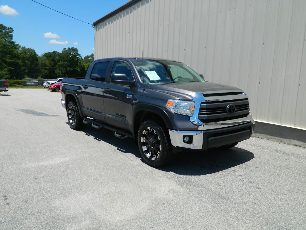 2014 Toyota Tundra  57L V8 Touch Screen Back-up Camera Bluetooth Tow Package Bed Liner Step