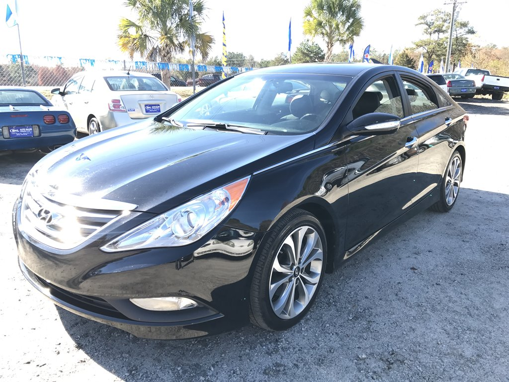 2014 Hyundai Sonata Limited Loaded up Limited Package This car wont last at this price so you