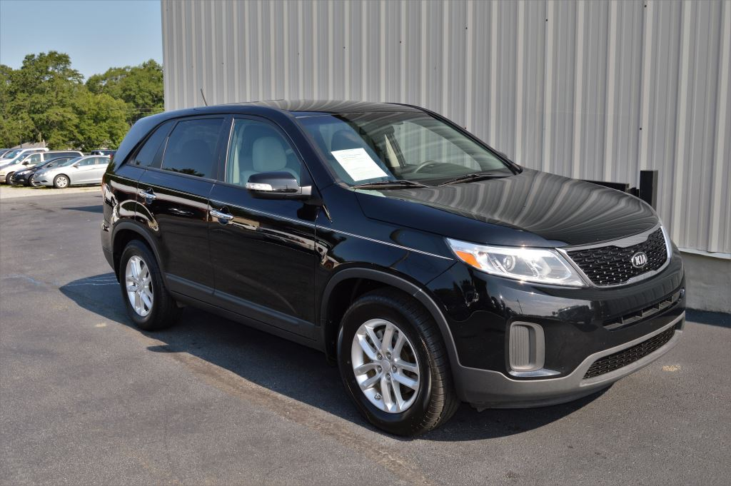 2015 KIA Sorento  2015 Kia Sorento LX 24L I-4 CLEAN SUV Power WindowsLocks Steering Controls