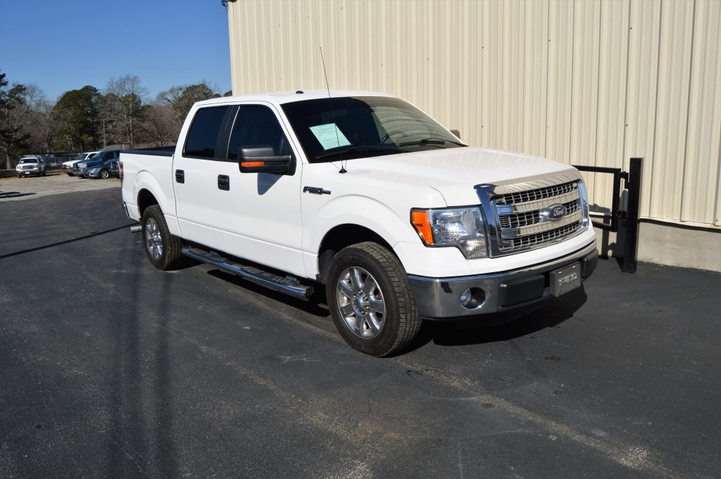 2013 Ford F150  2013 Ford F150 XLT Super Crew 50L V8 GREAT MILES CLEAN TRUCK Power WindowsLo