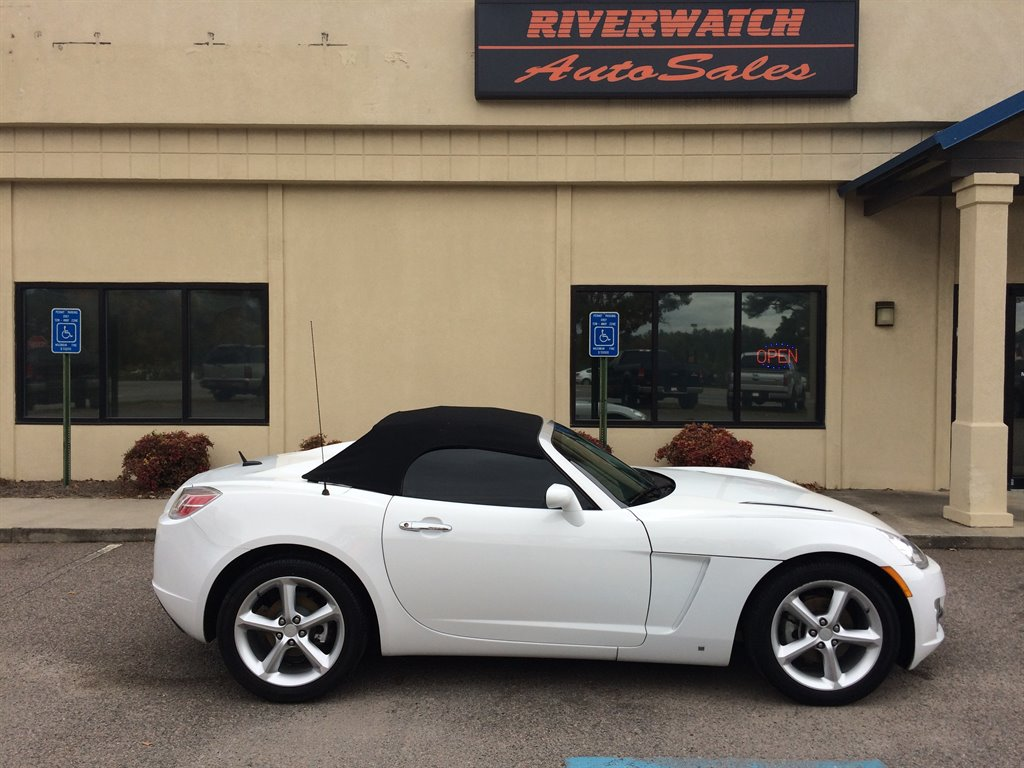 2009 Saturn Sky Base 2009 SATURN SKY CONVERTIBLE IN LIKE NEW CONDITION  THIS SKY HAS A NEW TOP AN