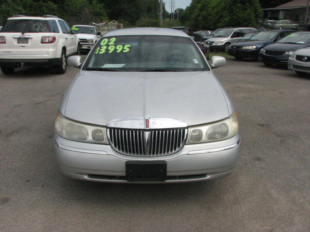 2002 Lincoln Town Car  Silver Stock 17021 VIN 1LNHM81W02Y608996