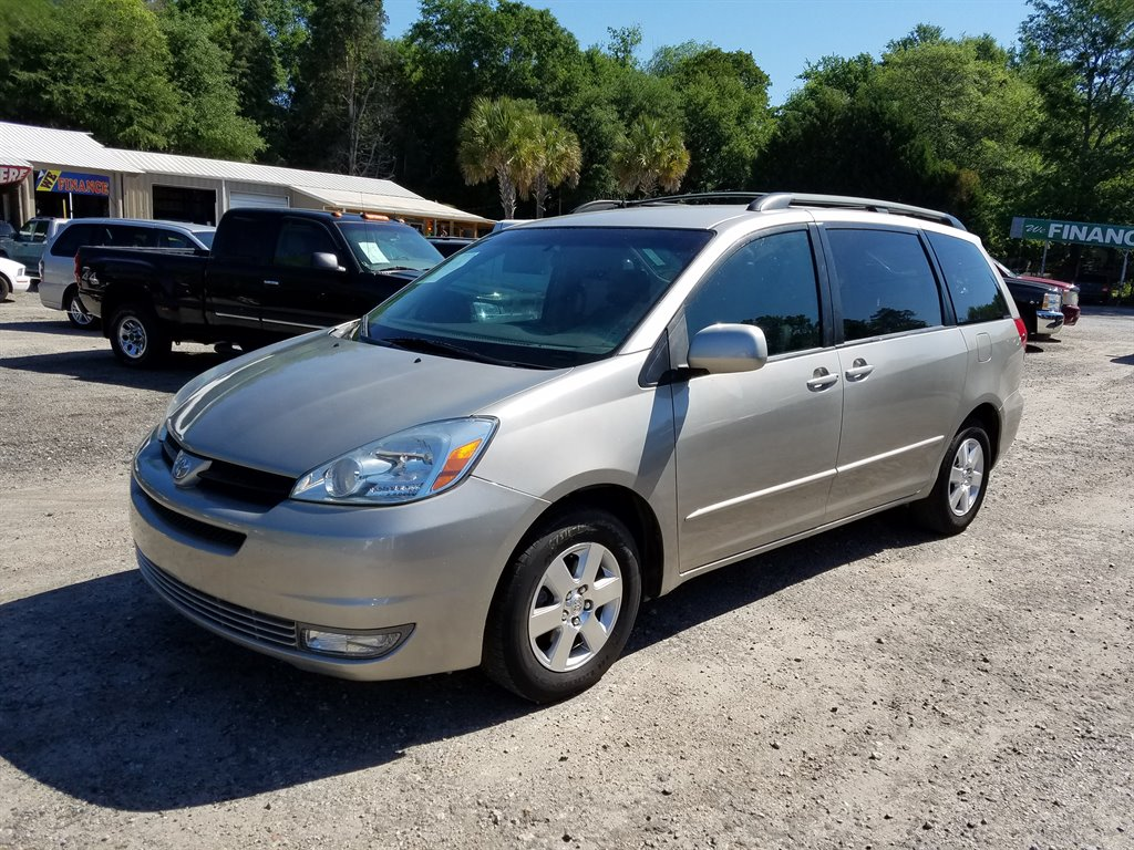 2005 Toyota Sienna XLE LOW MILES AND LOADED Silver Automatic AIR ConditioningDoor ArmrestsS