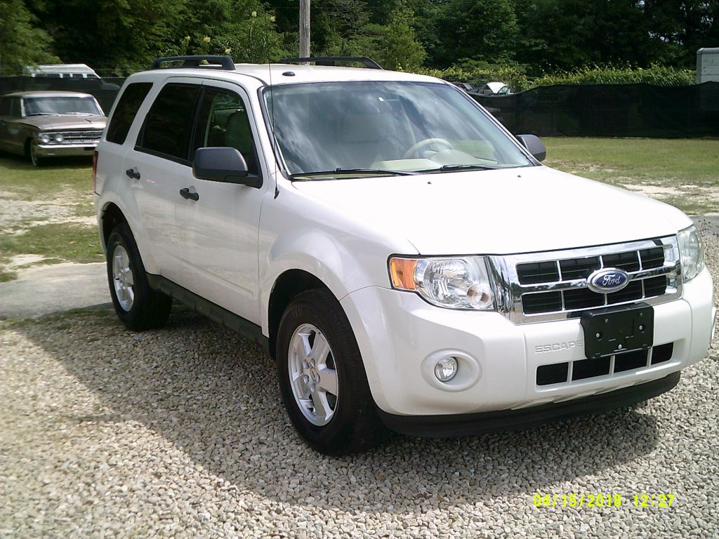 2011 Ford Escape  Clean Local Trade In All Power White 5 PassengerAbs 4wheelAir Conditionin