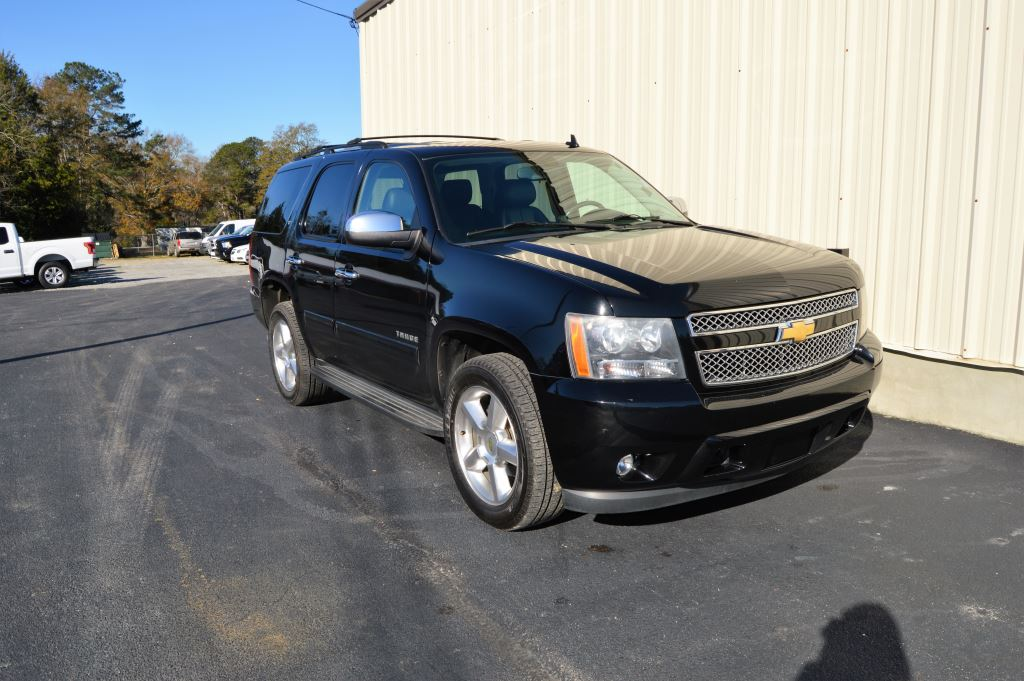 2011 Chevrolet Tahoe  2011 Chevrolet Tahoe LT 53L  V8 GOOD MILES EXTRA CLEAN 3rd Row Seating