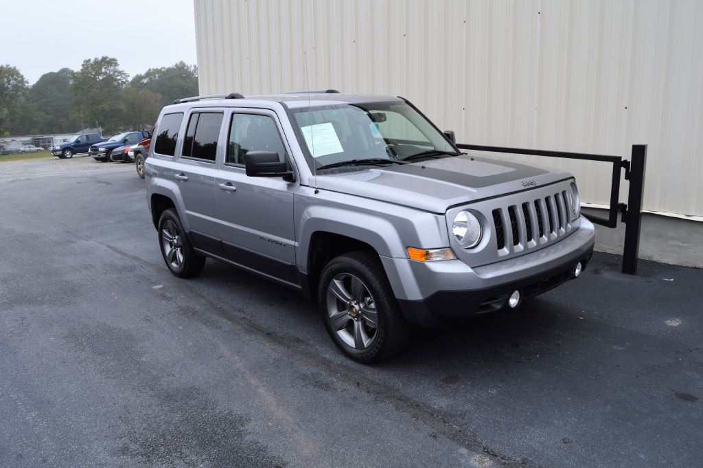 2016 Jeep Patriot  2016 Jeep Patriot Sport 20L I-4 CLEAN JEEP ONLY 24000 MILES LOCAL TRADE