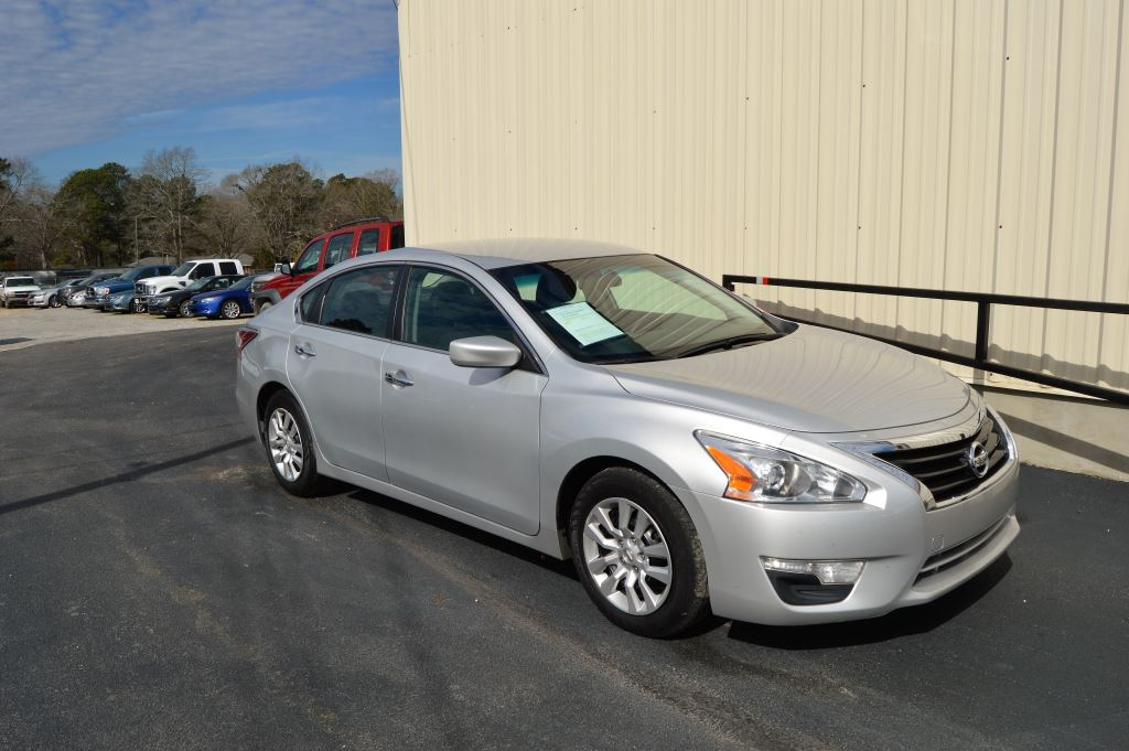 2015 Nissan Altima  2015 Nissan Altima S 25L I-4 GOOD MILES CLEAN CAR Power WindowsLocksSea