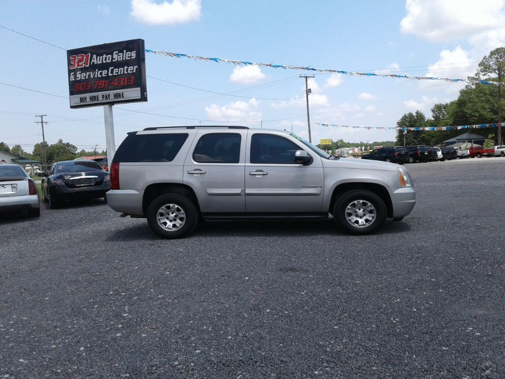 2008 GMC Yukon SLE Very nice and clean must see 3rd row Tan Stock 360 VIN 1GKFK13038J133688