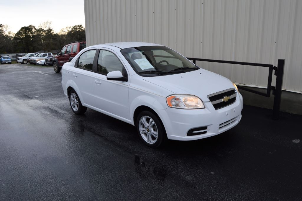 2011 Chevrolet Aveo LT  2011 Chevrolet Aveo LT 16L I-4 CLEAN CAR Power Windows and AUX Call