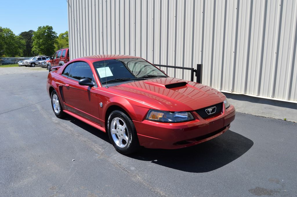 2004 Ford Mustang Coupe  2004 Ford Mustang Coupe 38L V6 CLEAN CAR GOOD MILES Power WindowsLo