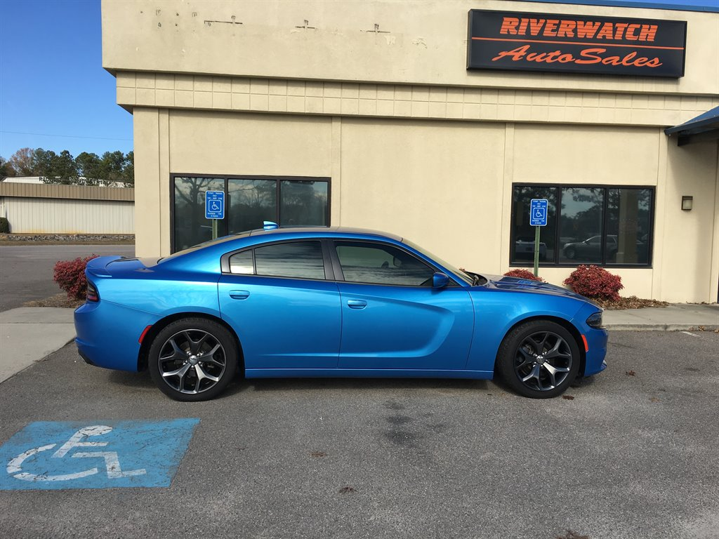 2015 Dodge Charger SXT 2015 Dodge Charger SXT w Ralley pkg  Beats sound system new tires fully
