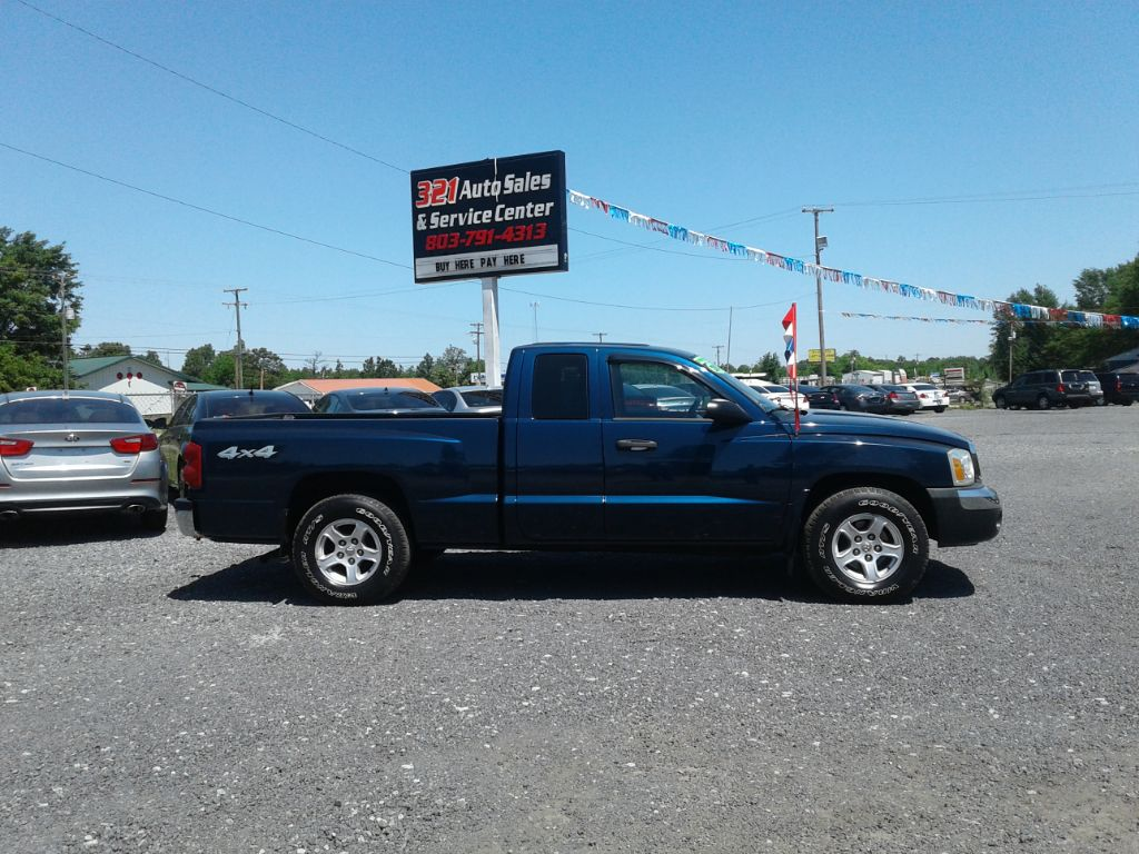 2005 Dodge Dakota SLT Clean very nice good on gas pw pl  Blue Stock 483 VIN 1D7HW42N95S225715