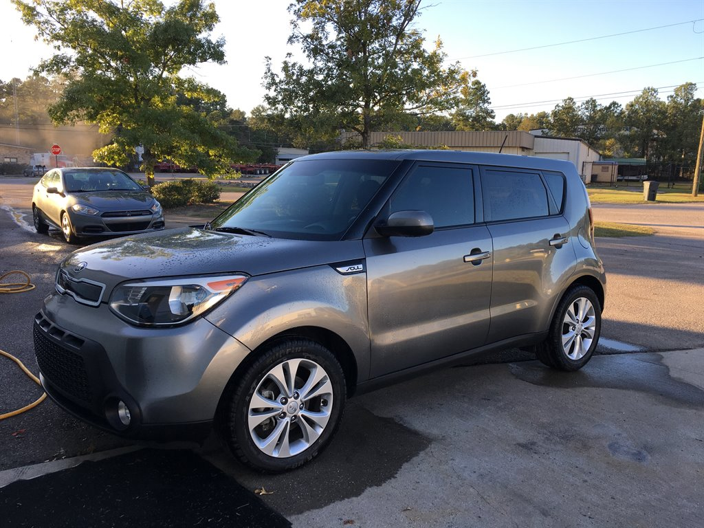 2016 Kia Soul  2016 KIA SOUL PLUS FULLY SERVICED NEW TIRES  Grey Stock 36942 VIN KNDJP3A56
