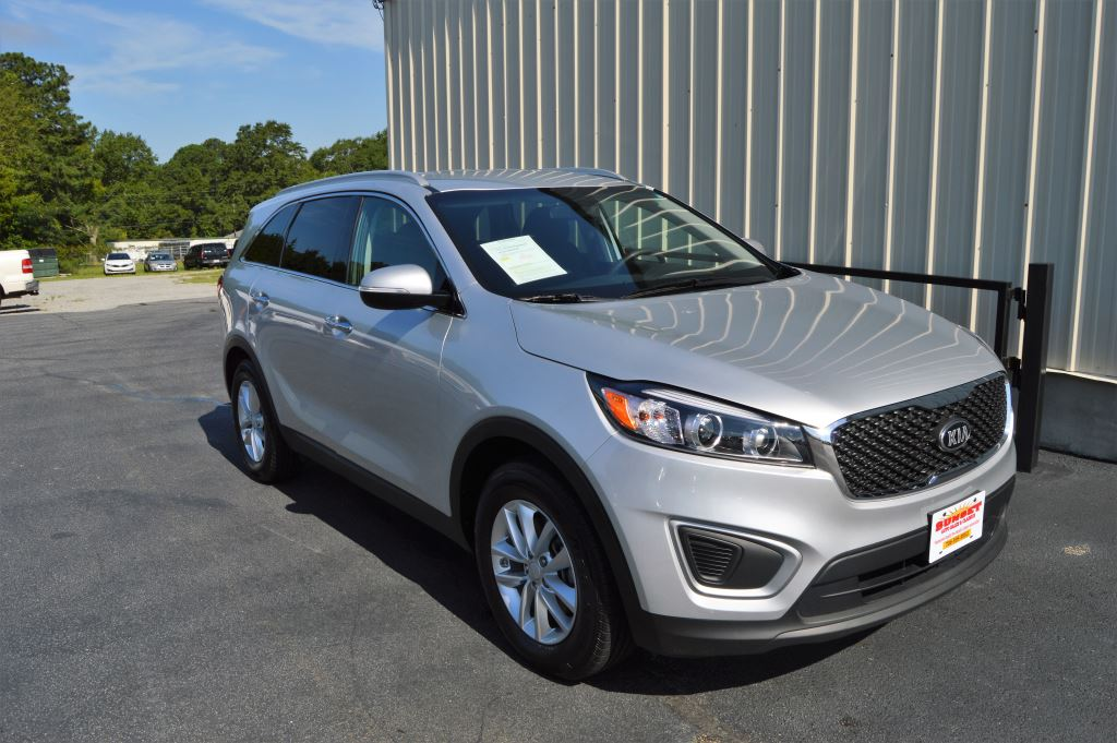 2018 KIA Sorento LX  2018 Kia Sorento LX 33L V6 CLEAN SUV 3rd Row Seating Power WindowsLocks